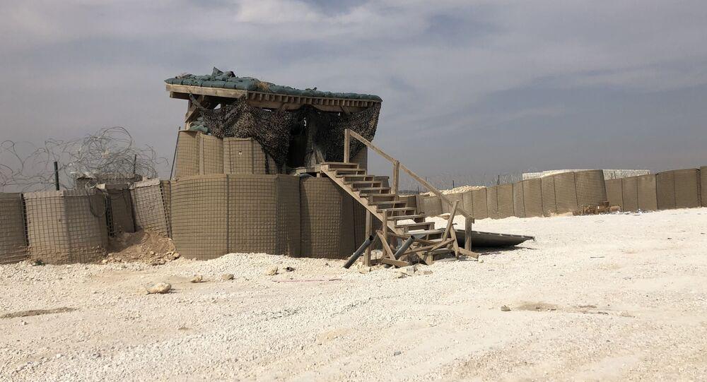 القاعدة العسكرية بعد انسحاب القوات الأمريكية منها في ضواحي منبج، سوريا