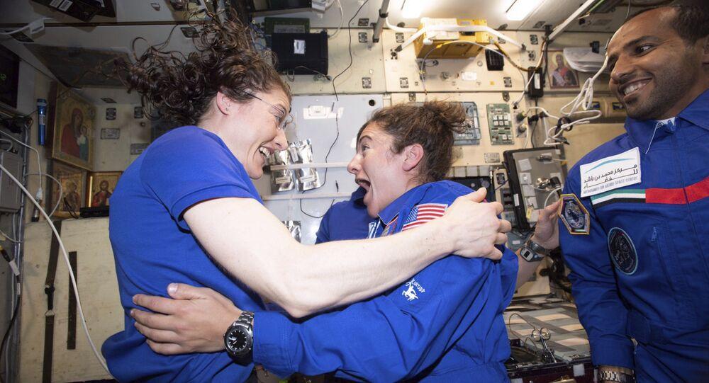 رائدتا الفضاء كريستينا كوتش وجيسيكا مير