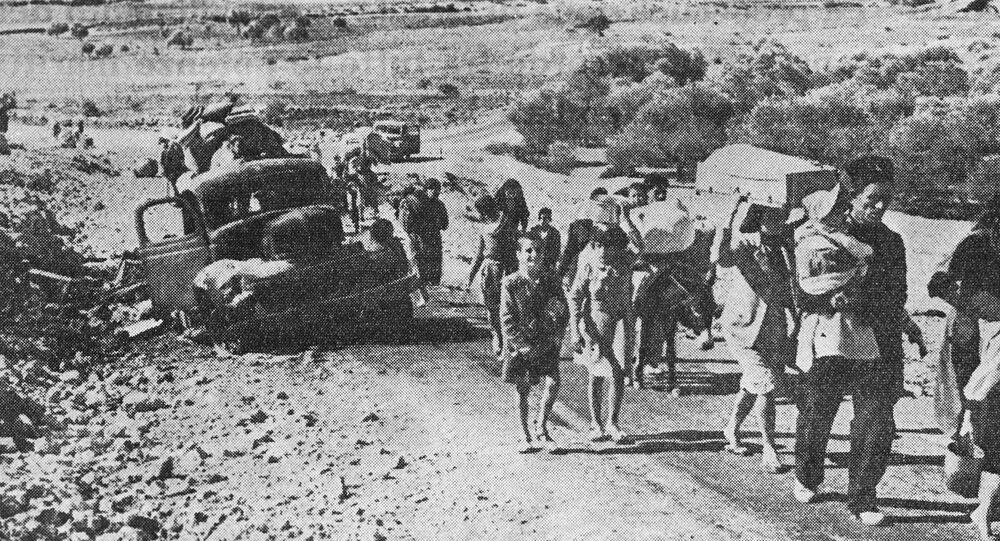 لاجئون على طرق الأراضي العربية التي احتلها إسرائيل بعد حرب الأيام الستة عام 1967