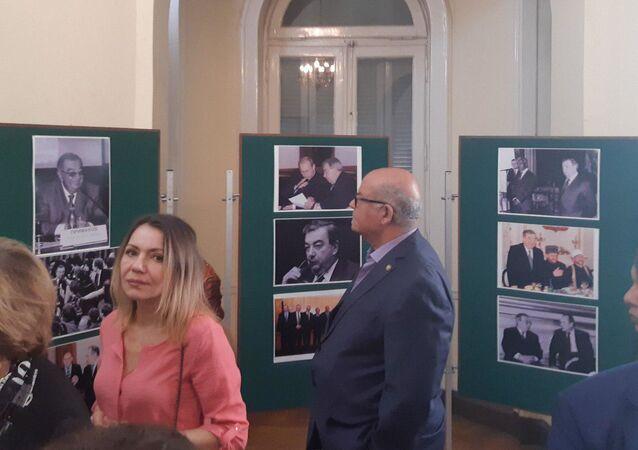 معرض صور لرئيس الحكومة الروسية السابق يفغيني بريماكوف في المركز الثقافي الروسي احتفالا بذكرى ميلاده الـ90، 28 أكتوبر/تشرين الأول 2019
