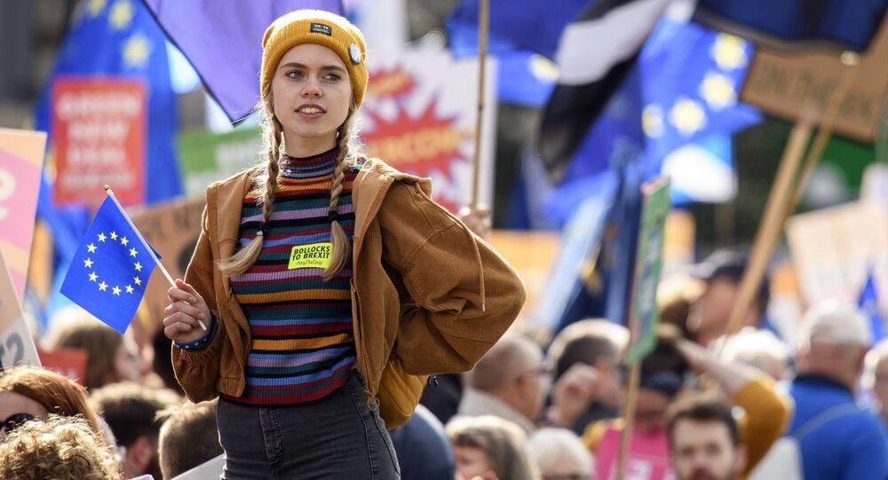 المشاركون في احتجاجات ضد خروج بريطانيا من الاتحاد الأوروبي (بريكست) في لندن، 19 أكتوبر 2019