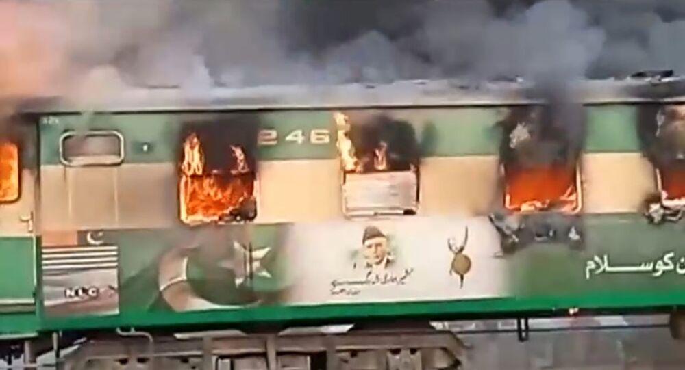 حريق في قطار شمال شرق باكستان، 31 أكتوبر 2019