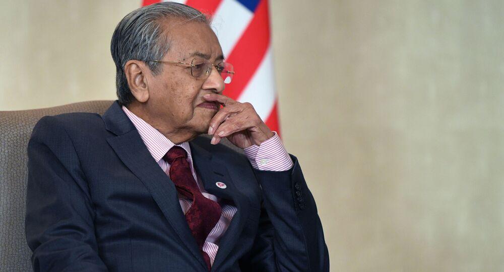 رئيس وزراء ماليزيا مهاتير بن محمد