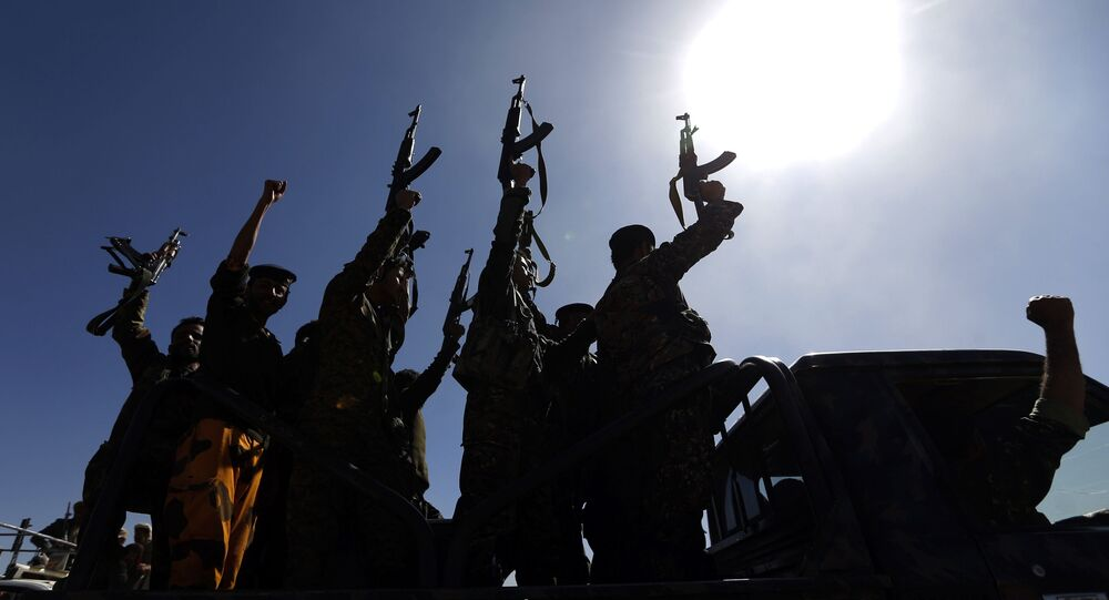 جنود تابعون لجماعة أنصار الله الحوثيين في اليمن