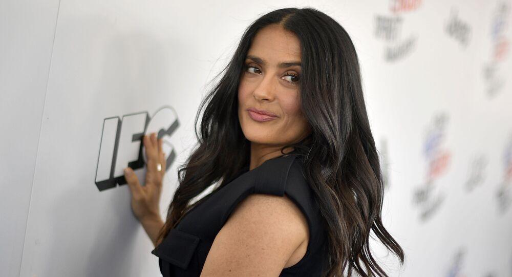 الممثلة المكسيكية سلمى حايك