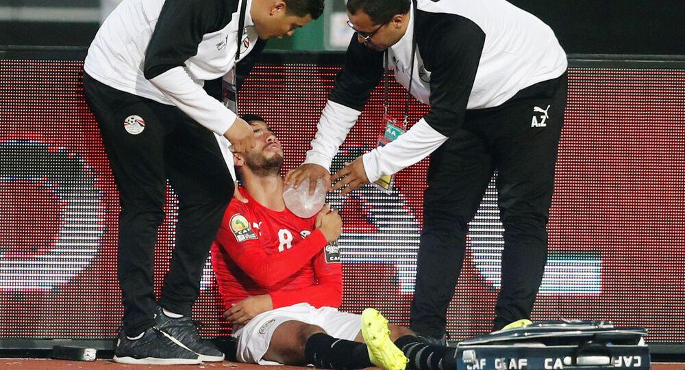 ناصر ماهر لاعب المنتخب الأوليمبى المصري بعد إصابته في كأس الأمم الأفريقية تحت 23 سنة، 8 نوفمبر 2019