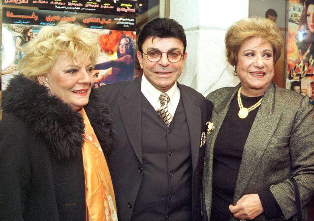 الفنانة المصرية نادية لطفي مع الفنان سمير صبري والفنانة سميحة أيوب