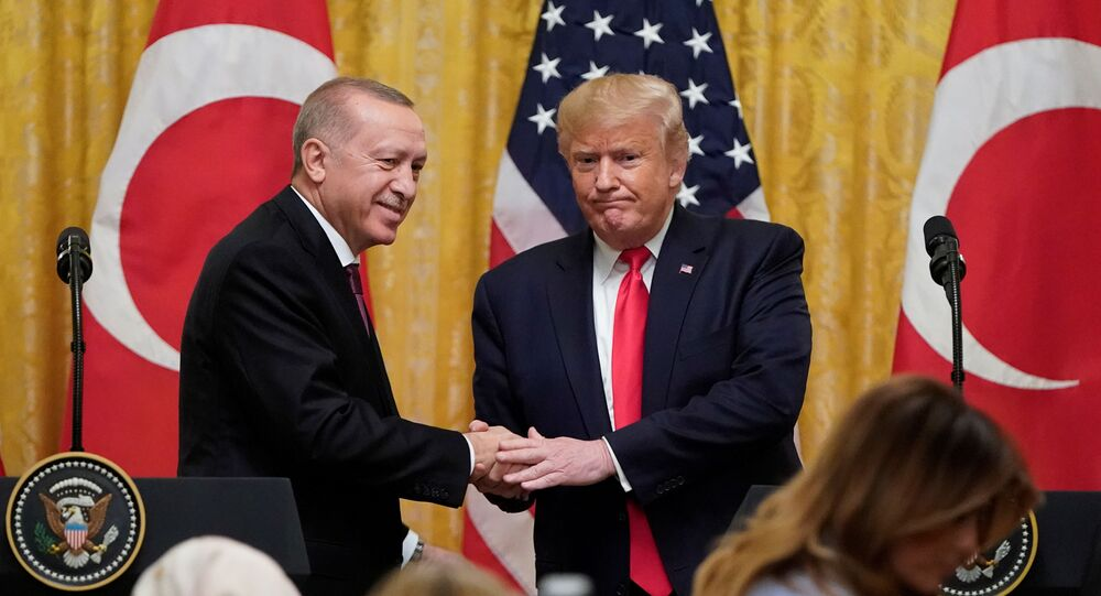 الرئيس الأمريكي دونالد ترامب والرئيس التركي رجب طيب أردوغان