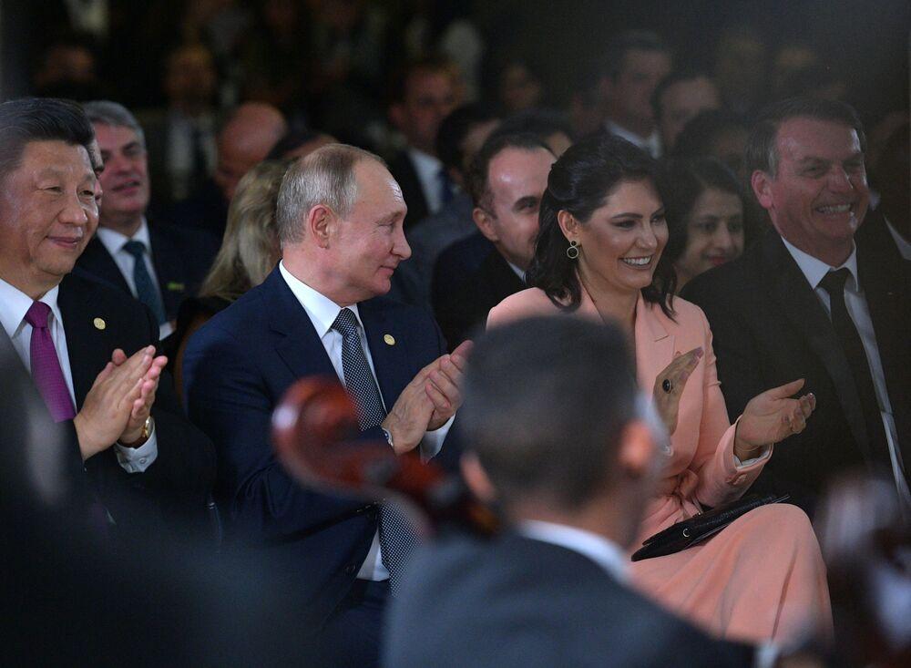 الرئيس الروسي فلاديمير بوتين أثناء حفل افتتاحي للقادة بمناسبة إنطلاق فعاليات قمة بريكس في البرازيل، 13 نوفمبر 2019