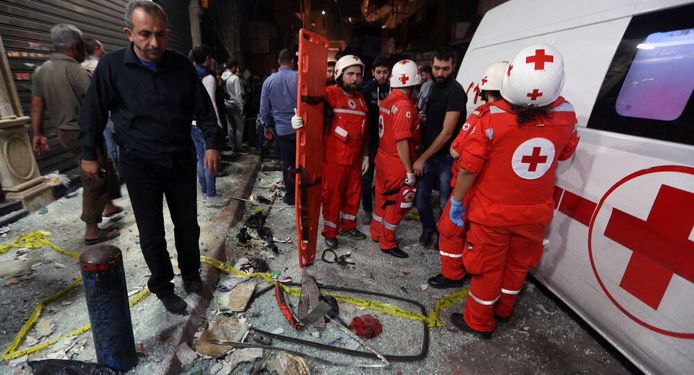 سيارة الإسعاف في مكان الهجوم الإرهابي