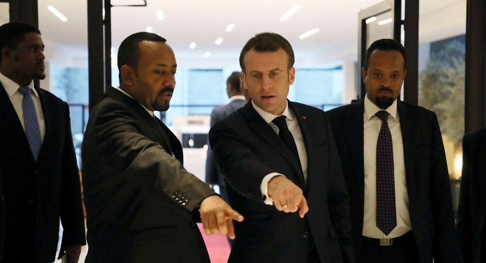 الرئيس الفرنسي إيمانويل ماكرون ورئيس الوزراء الأثيوبي أبي أحمد