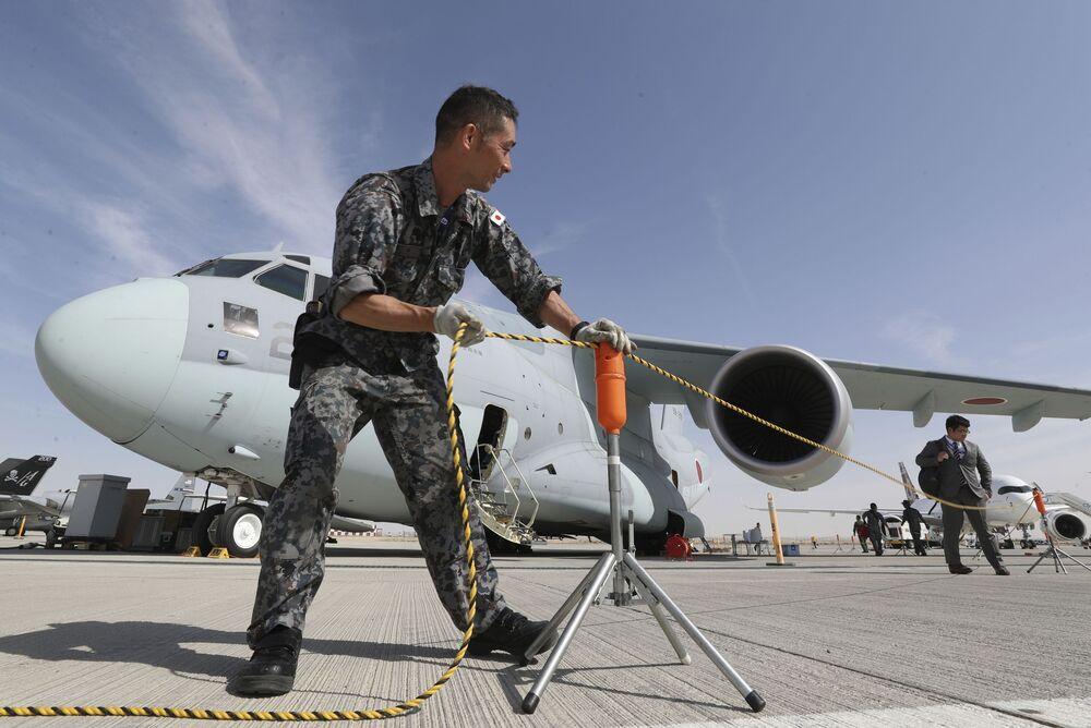 الطائرةاليابانية ثنائية المحرك للنقل العسكري كاواساكي سي-2 في معرض دبي للطيران لعام 2019، 17 نوفمبر 2019
