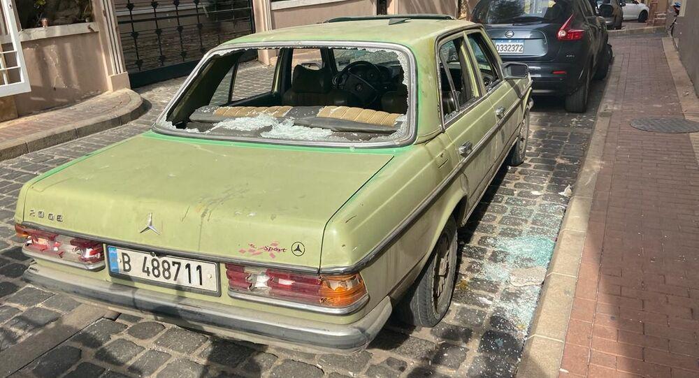 أضرار وسط بيروت بعد المواجهات بين المتظاهرين ومناصري الاحزاب