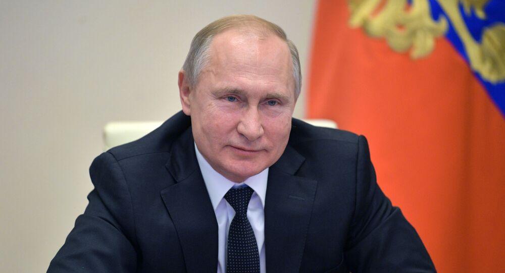 الرئيس الروسي فلاديمير بوتين خلال منتدى مشروع