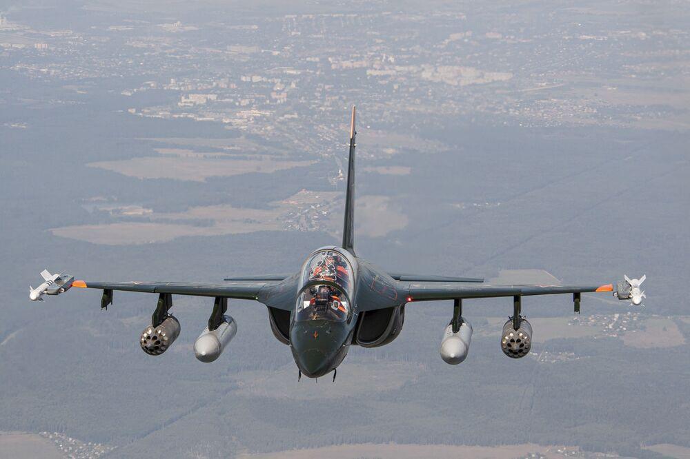 الطائرة الروسية للتدريبات العسكرية ياك-130