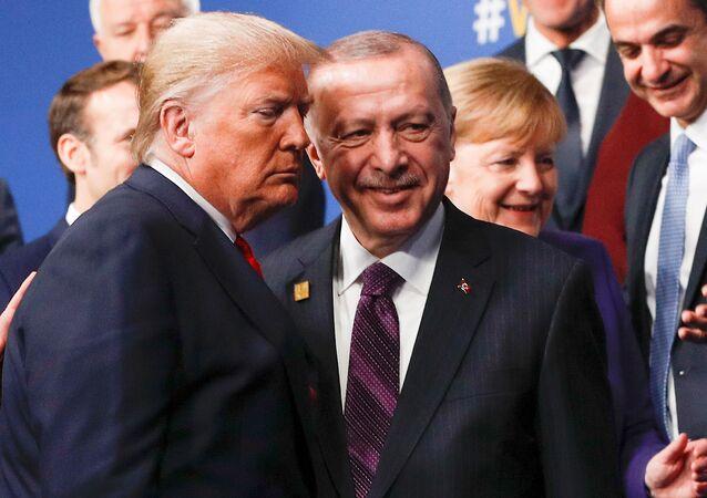 قمة الناتو في لندن - الرئيس التركي رجب طيب أردوغان والرئيس الأمريكي دونالد ترامب، 4 ديسمبر 2019