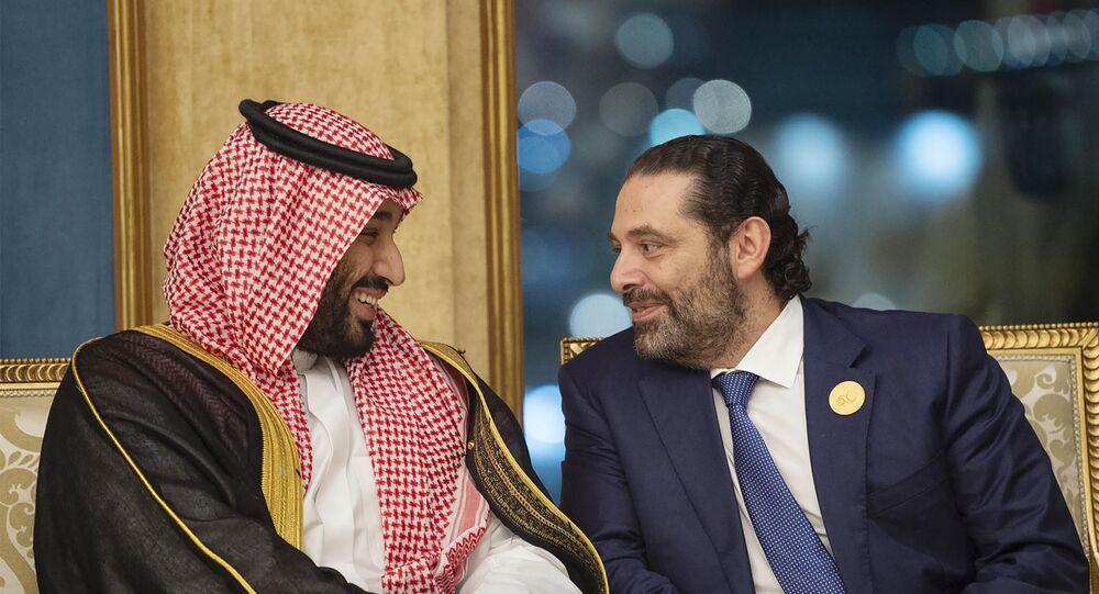 رئيس الوزراء اللبناني سعد الحريري خلال لقائه ولي العهد السعودي الأمير محمد بن سلمان في الرياض
