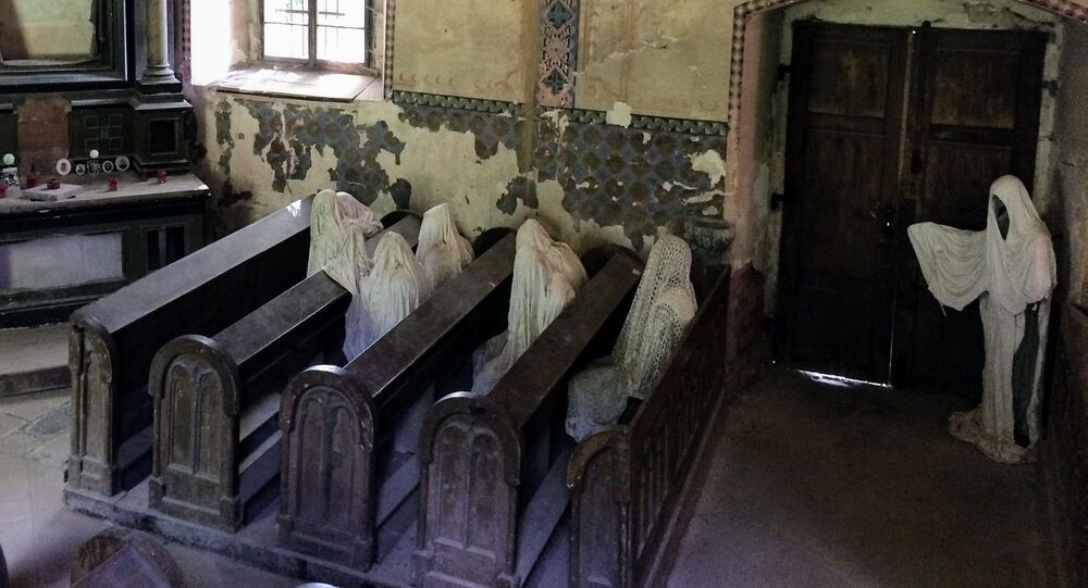متحف لأعمال الفنان التشيكي ياكوب خادرافا، في كنيسة القديس جاورجوس، في لوكوف، التشيك