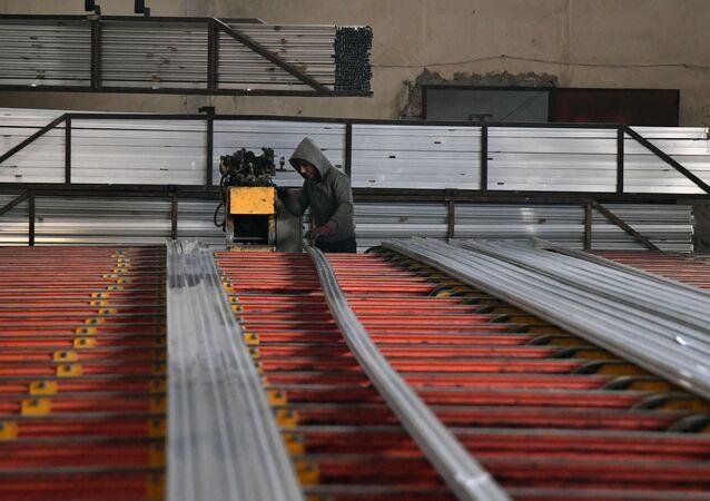 مصنع الألومنيوم في منطقة عدرا في ريف دمشق، سوريا