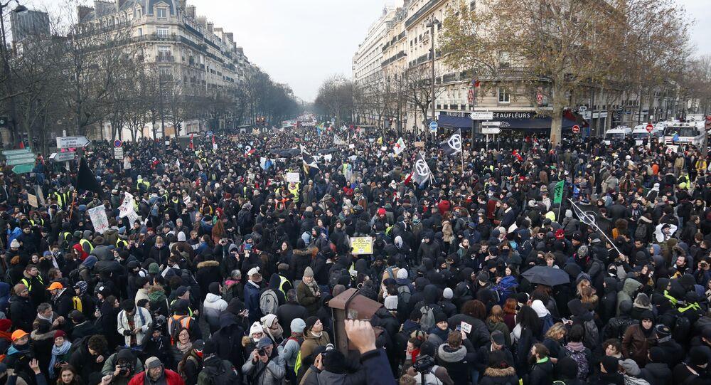 احتجاجات باريس