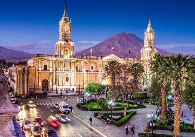 منظر لمدينة أركويبا، بيرو