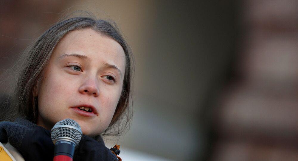 الناشطة اليبئية السويدية غريتا تونبرغ