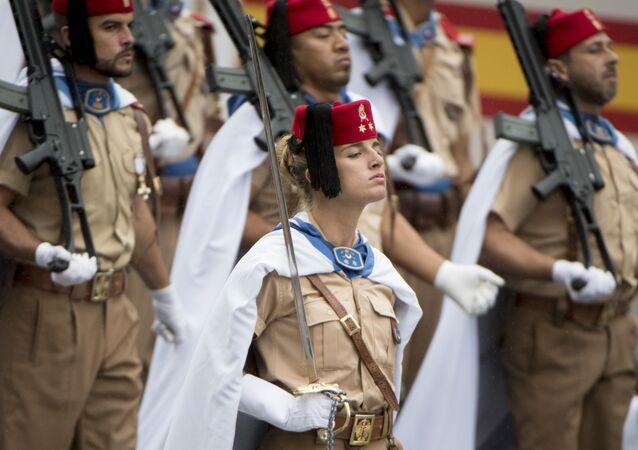 الجيش الإسباني في عرض عسكري