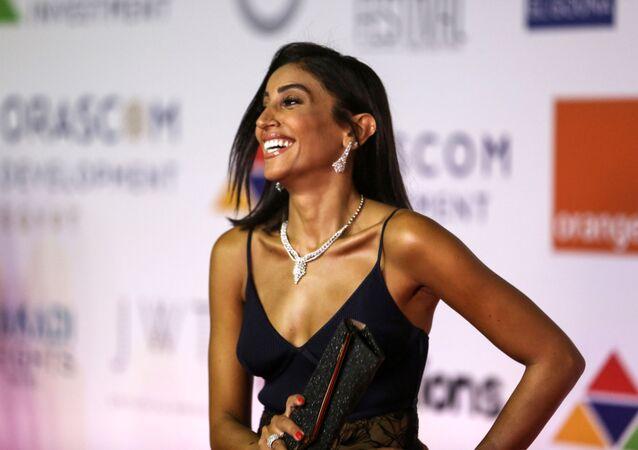 الممثلة المصرية دينا الشربيني