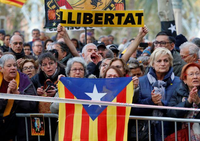 المتظاهرين في كتالونيا قبل الكلاسيكو
