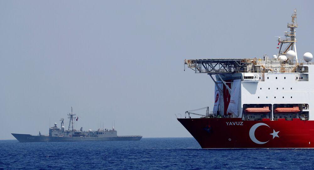 سفينة تركية قرب السواحل الليبية