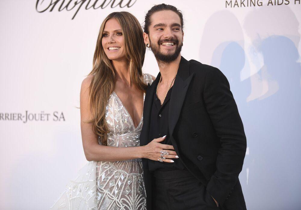 احتفل الزوجان عارضة الأزياء الألمانية هايدي كلوم والموسيقي الألماني توم كوليتز بزفافهما على متن اليخت المشهور كريستينا أو (Christina O) في إيطاليا.