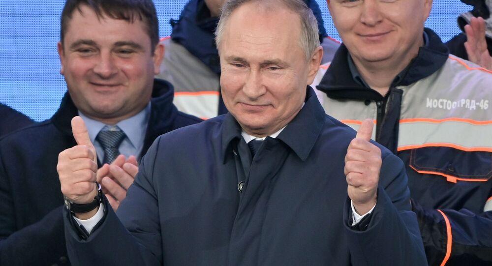 الرئيس الروسي فلاديمير بوتين يشارك في مراسم افتتاح خط السكك الحديدية عبر جسر القرم، الرئيس الروسي فلاديمير بوتين يشارك في مراسم افتتاح خط السكك الحديدية عبر جسر القرم، شبه جزيرة القرم، روسيا 23 ديسمبر 2019جزيرة القرم، روسيا 23 ديسمبر 2019