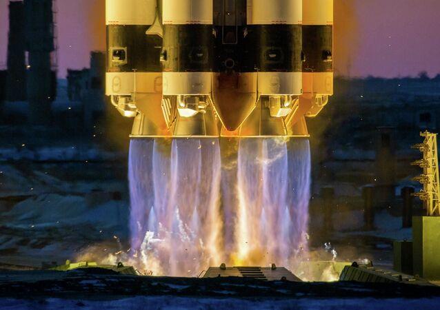 اطلاق صاروخ حامل بروتون-إم مع القمر الصناعي إلكترو-إل رقم3
