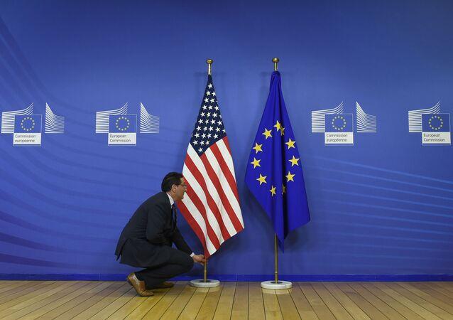 علم الاتحاد الأوروبي و الولايات المتحدة