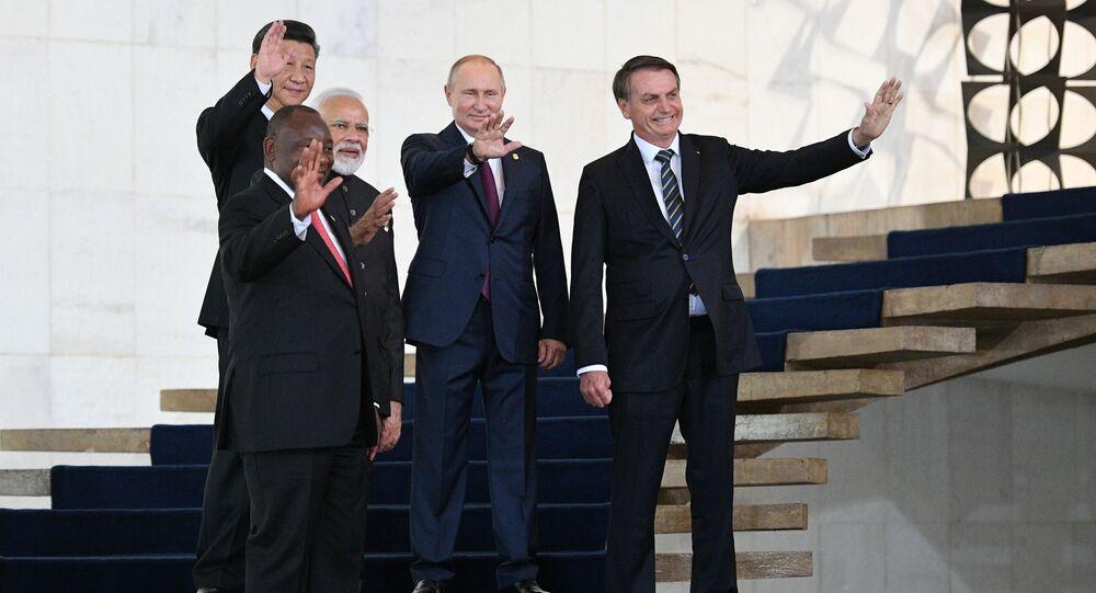 الرئيس الروسي فلاديمير بوتين قبيل الحفل الافتتاحي لإنطلاق فعاليات قمة بريكس في البرازيل، 13 نوفمبر 2019