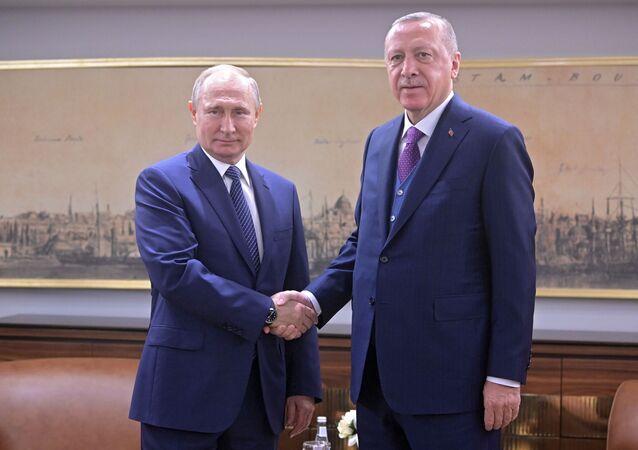 الرئيس الروسي فلاديمير بوتين مع الرئيس التركي رجب طيب أردوغان