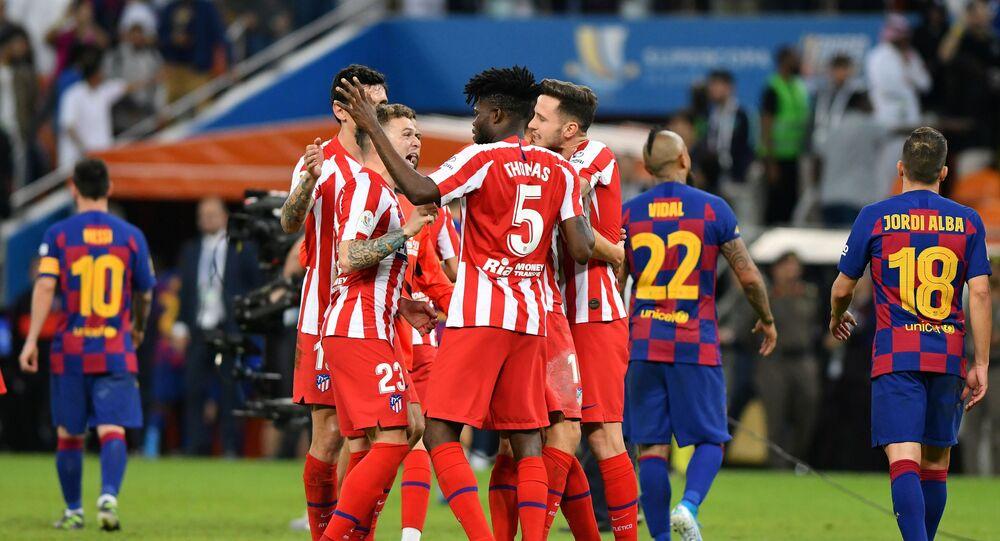 أتليتكو مدريد يهزم برشلونة ويصعد لنهائي السوبر الإسباني