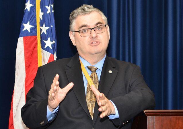 القنصل الأمريكي العام  لويس جون كريشوك في فلاديفوستوك