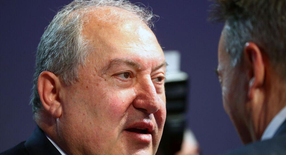 رئيس جمهورية أرمينيا أرمين ساركيسيان