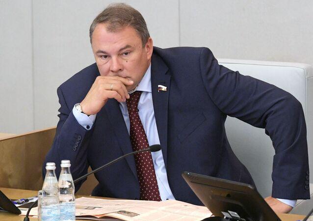 نائب رئيس مجلس الدوما في الاتحاد الروسي بيتر تولستوي