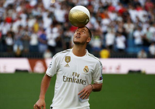 هازاراد يوم تقديمه للإعلام في ريال مدريد