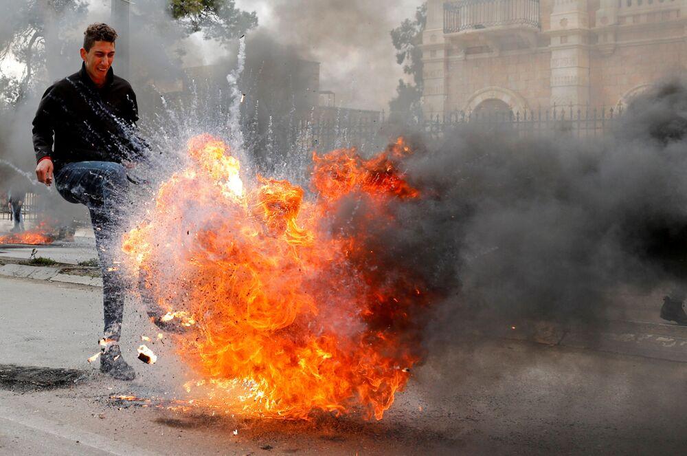 احتجاجات في بيت لحم عقب إعلان الرئيس الأمريكي دونالد ترامب لـصفقة القرن، الضفة الغربية 29 يناير 2020