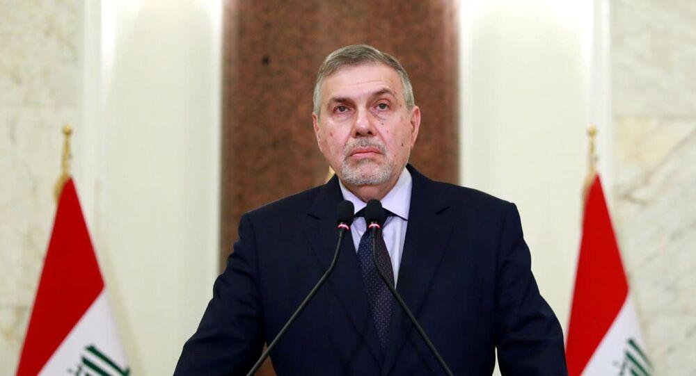 رئيس وزراء العراق المعين حديثا يلقي خطابا متلفزا في بغداد