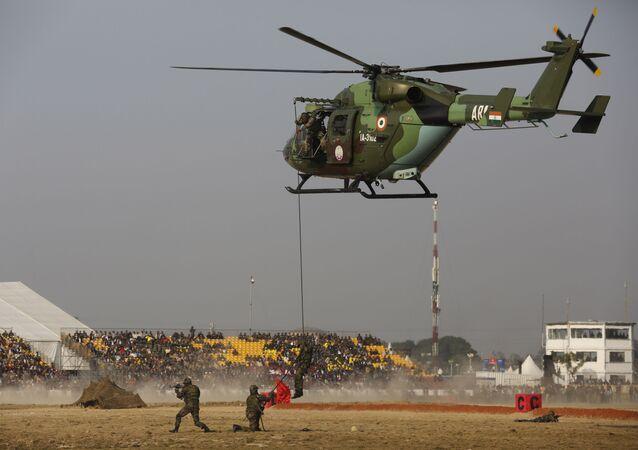 المعرض الدولي للصناعات الدفاعية ديف إكسبو إنديا 2020 في الهند، 5 فبراير 2020 - إستعراض عسكري لجنود الجيش الهندي خلال مراسم افتتاح المعرض