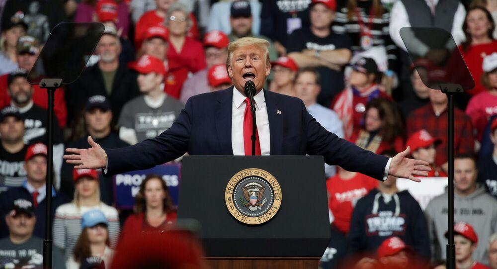 الرئيس الأمريكي دونالد ترامب  في تجمع انتخابي حاشد في ولاية نيوهامشير
