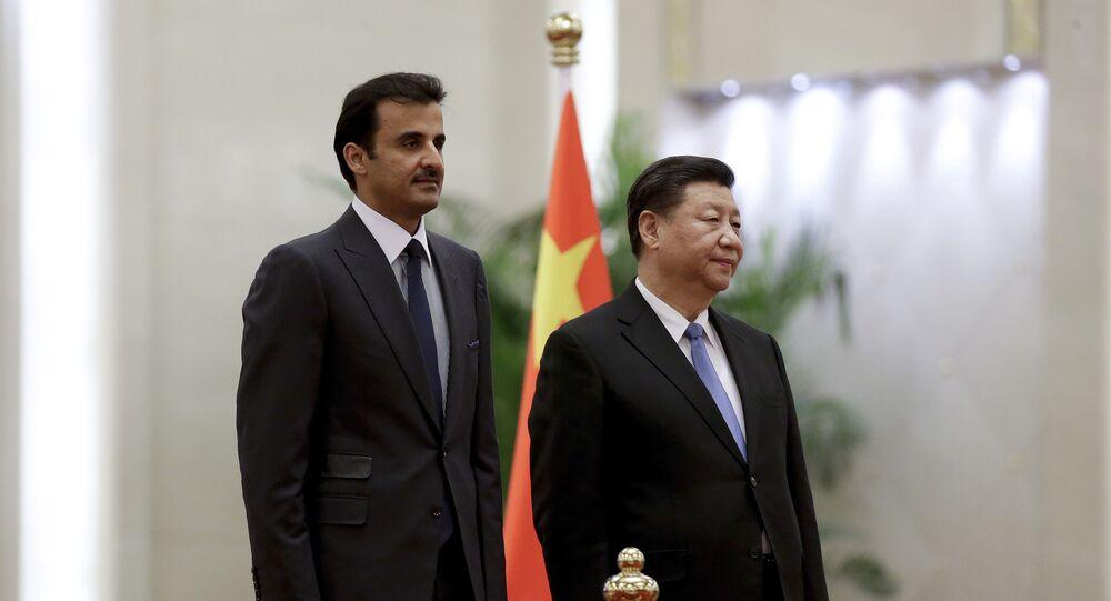 الرئيس الصيني، شي جين بينغ، يستقبل أمير قطر، الشيخ تميم بن حمد بن خليفة آل ثاني، في بكين