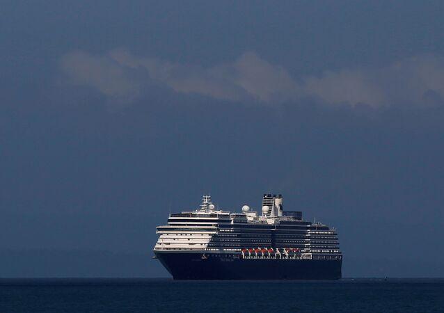 سفينة بدأت رحلتها من سنغافورة ورست لآخر مرة في هونغ كونغ الصينية وسجلت 50 حالة إصابة بفيروس كورونا