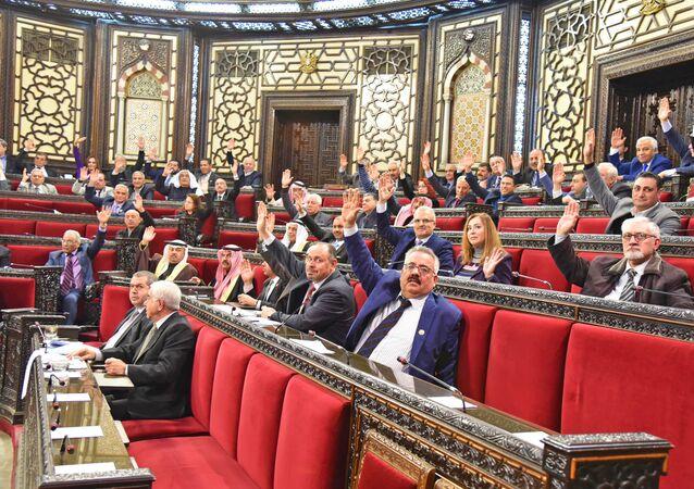 مجلس الشعب السوري يتبنى قرارا يدين ويقر الإبادة الجماعية للأرمن