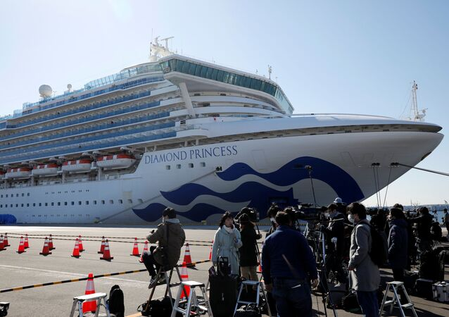 سفينة دايموند برينتس في ميناء يوكوهاما في اليابان