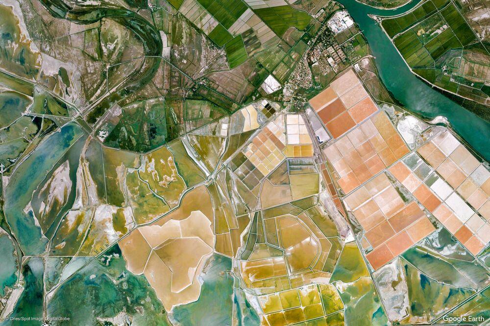 صورة من الفضاء للريفييرا الفرنسية، فرنسا